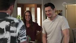 Shaun Watkins, Bea Nilsson, Finn Kelly in Neighbours Episode 8212