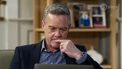 Paul Robinson in Neighbours Episode 8212
