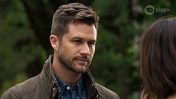 Mark Brennan, Elly Conway in Neighbours Episode 8212