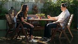 Bea Nilsson, Finn Kelly in Neighbours Episode 8213