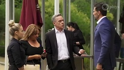 Roxy Willis, Terese Willis, Paul Robinson, Pierce Greyson in Neighbours Episode 8215