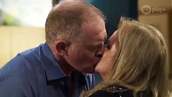 Clive Gibbons, Sheila Canning in Neighbours Episode 8215