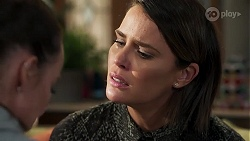 Bea Nilsson, Elly Conway in Neighbours Episode 8219