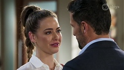Chloe Brennan, Pierce Greyson in Neighbours Episode 8220