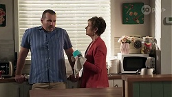 Toadie Rebecchi, Susan Kennedy in Neighbours Episode 8221