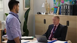 David Tanaka, Clive Gibbons in Neighbours Episode 8222
