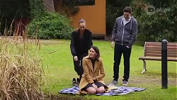 Bea Nilsson, Elly Conway, Finn Kelly in Neighbours Episode 8222
