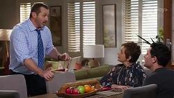 Toadie Rebecchi, Susan Kennedy, Finn Kelly in Neighbours Episode 8226