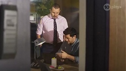 Toadie Rebecchi, Finn Kelly in Neighbours Episode 8233