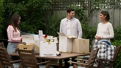 Bea Nilsson, Finn Kelly, Elly Conway in Neighbours Episode 8237