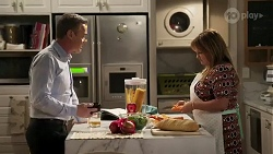 Paul Robinson, Terese Willis in Neighbours Episode 8237