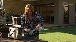 Terese Willis in Neighbours Episode 8238