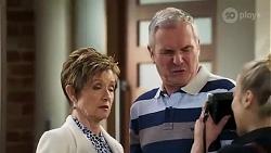 Susan Kennedy, Karl Kennedy, Roxy Willis in Neighbours Episode 8239
