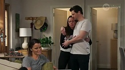 Elly Conway, Bea Nilsson, Finn Kelly in Neighbours Episode 8239