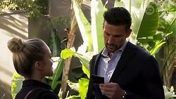 Roxy Willis, Pierce Greyson in Neighbours Episode 8239