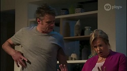 Gary Canning, Sheila Canning in Neighbours Episode 8242