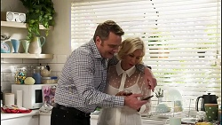 Gary Canning, Prue Wallace in Neighbours Episode 8242