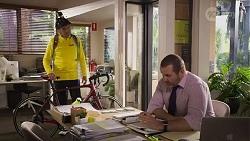 Karl Kennedy, Toadie Rebecchi in Neighbours Episode 8243