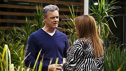 Paul Robinson, Terese Willis in Neighbours Episode 8244