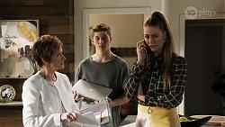 Susan Kennedy, Hendrix Greyson, Chloe Brennan in Neighbours Episode 8247