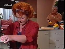 Cheryl Stark, Lou Carpenter in Neighbours Episode 2356