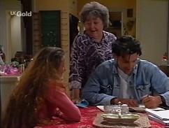 Bianca Zanotti, Marlene Kratz, Sam Kratz in Neighbours Episode 2358