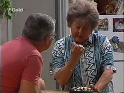 Lou Carpenter, Marlene Kratz in Neighbours Episode 2359
