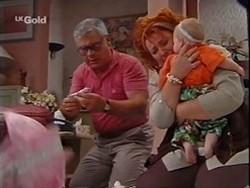 Lou Carpenter, Cheryl Stark, Louise Carpenter (Lolly) in Neighbours Episode 2359