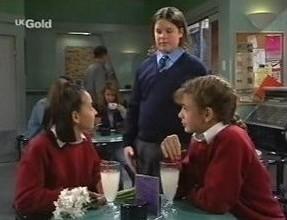 Miranda Starvaggi, Daniel Murray, Hannah Martin in Neighbours Episode 2447