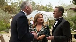 Karl Kennedy, Terese Willis, Paul Robinson in Neighbours Episode 8251