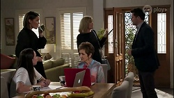 Bea Nilsson, Elly Conway, Susan Kennedy, Claudia Watkins, Finn Kelly in Neighbours Episode 8256