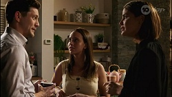 Finn Kelly, Bea Nilsson, Elly Conway in Neighbours Episode 8257