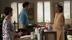 Susan Kennedy, Finn Kelly, Elly Conway in Neighbours Episode 8258