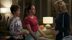 Susan Kennedy, Bea Nilsson, Claudia Watkins in Neighbours Episode 8258
