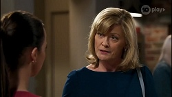 Bea Nilsson, Claudia Watkins in Neighbours Episode 8258