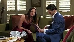 Bea Nilsson, Finn Kelly in Neighbours Episode 8259