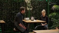 Shane Rebecchi, Roxy Willis in Neighbours Episode 8260