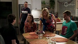 Jimmy Williams, Gary Canning, Amy Williams, Sheila Canning, Kyle Canning in Neighbours Episode 8261