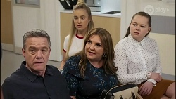 Paul Robinson, Roxy Willis, Terese Willis, Harlow Robinson in Neighbours Episode 8264