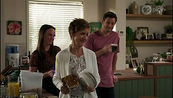 Bea Nilsson, Susan Kennedy, Finn Kelly in Neighbours Episode 8264