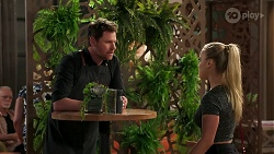 Shane Rebecchi, Roxy Willis in Neighbours Episode 8268