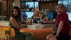 Dipi Rebecchi, Sheila Canning, Gary Canning in Neighbours Episode 8268