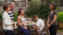 Susan Kennedy, Karl Kennedy, Bea Nilsson, Hendrix Greyson, Elly Conway in Neighbours Episode 8271