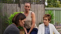 Elly Conway, Bea Nilsson, Susan Kennedy in Neighbours Episode 8271