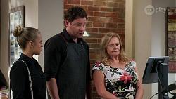 Roxy Willis, Shane Rebecchi, Sheila Canning in Neighbours Episode 8273