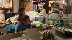 Nell Rebecchi, Kyle Canning, Hugo Somers in Neighbours Episode 8274