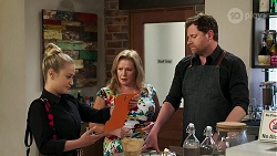 Roxy Willis, Sheila Canning, Shane Rebecchi in Neighbours Episode 8277