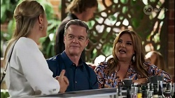 Lisa Rowsthorn, Paul Robinson, Terese Willis in Neighbours Episode 8281