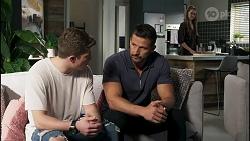 Hendrix Greyson, Pierce Greyson, Chloe Brennan in Neighbours Episode 8281