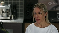 Lisa Rowsthorn in Neighbours Episode 8282